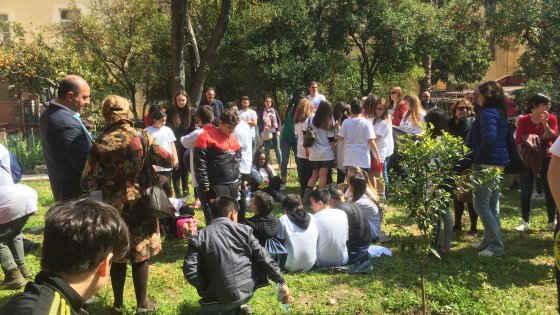 Il giardino degli scalzi l 39 oasi verde nel cuore del - Il giardino degli dei ...